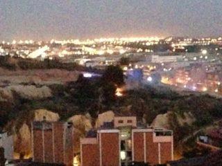 Imatge del petit incendi a Les Guardioles // @ChusGR