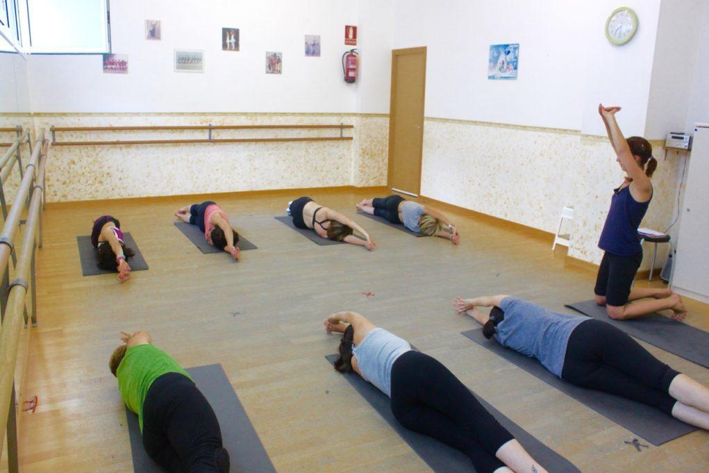 Instant d'una de les sessions de gimnàstica abdominal hipopressiva // Pas a Pas