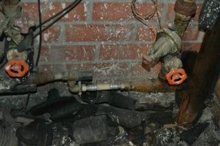 Imatges de canonades que han estat renovades a causa d'una fuita // Elisenda Colell