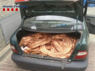 Els detinguts a Molins de Rei portaven al cotxe més de 400 quilos de coure // Mossos d'Esquadra