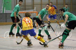 Moment del partit entre el CE Molins de Rei i la selecció catalana // Albatxo