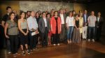 L'alcalde de Molins de Rei, Joan Ramon Casals, primer per la dreta, acompanyats dels 35 alcaldes metropolitans restants // AMB