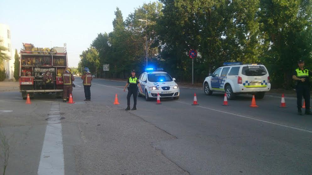 El dispositiu de seguretat ha tallat el trànsit al carrer El Pla durant més d'una hora // ADF Puigmadrona-Olorda