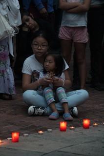 Imatge de la concentració de la Plaça de la Creu reclamant solidaritat // Jose Polo
