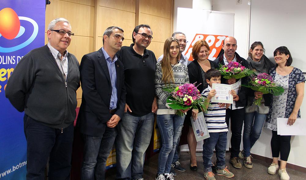 Els guanyadors del concurs amb les autoritats // Jose Polo