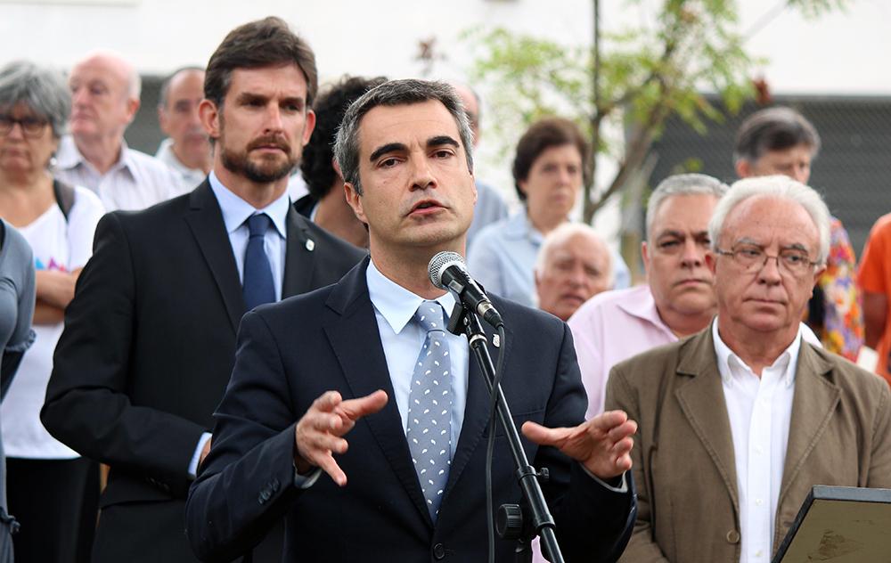 Joan Ramon Casals observat per Xavi Paz durant la seva intervenció // Jose Polo