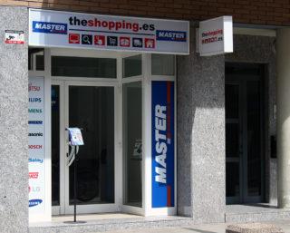 Punt de recollida de TheShopping.es a Molins de Rei al carrer Jacint Verdaguer // Viu Molins de Rei