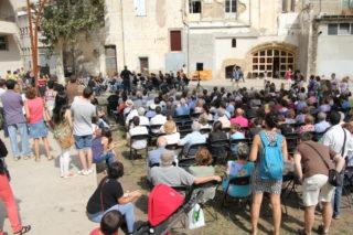 El concert s'ha fet a l'aire lliure, al pati del Palau // Jordi Julià