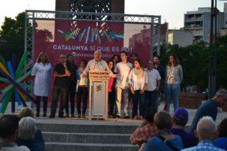 Lluís Rabell, acompanyat dels integrants de la llista vinguts del Baix Llobregat // Elisenda Colell