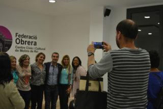 A l'acabar la presetació, no han faltat  les fotografies amb les autoritats // Elisenda Colell