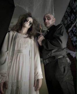 Dos personatges del túnel del terror // AAVV Les Conserves