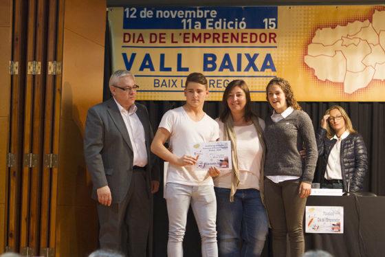 Els guanyadors recollint el premi // Ajuntament de Molins de Rei
