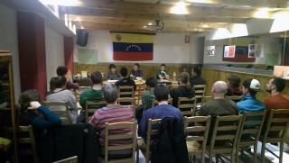 Imatge de la xerrada a La Barrina // Arran Molins