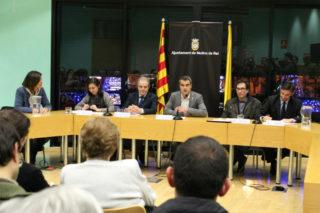 Joan Ramon Casals dedicant-li unes paraules a Salas // Jose Polo