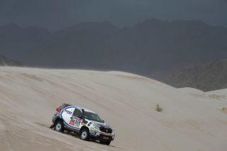 Foj superant una duna // Foj Motorsport Coopertires