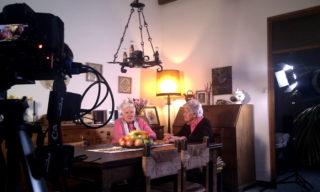 Per fer el documental han fet 63 entrevistes, moltes d'elles a les seves pròpies cases // Miquel Monfort