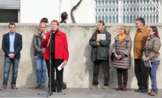 Gemma Tribó fa una explicació històrica durant la presentació del llibre del Canal de la Infanta // David Guerrero