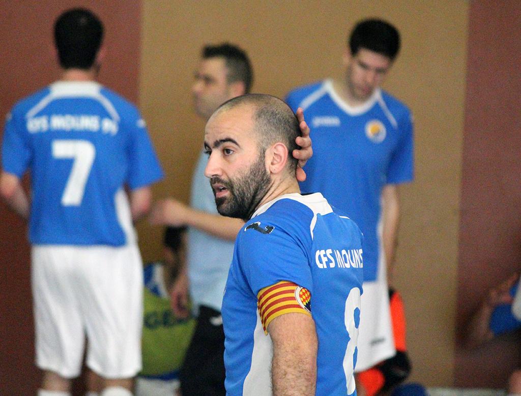 Oscar González, capità del CFS Molins 99, durant el partit // Jose Polo