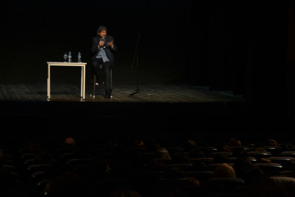 El públic va omplir el teatre // Elisenda Colell