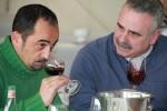 Els guanyadors del concurs de tast de vins durant la competició - Marc Pidelaserra