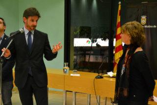 Xavi Paz, demanant compromisos a Meritxell Borràs // Elisenda Colell