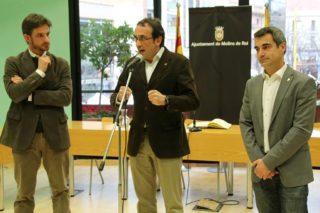 Josep Rull durant la recepció oficial acompanyat del primer tinent d'alcalde Xavi Paz i l'alcalde Joan Ramon Casals // David Guerrero