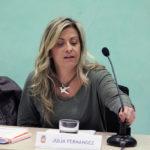 Júlia Fernández (Iniciativa) s'estrena al ple defensant els serveis públics i el dret a decidir