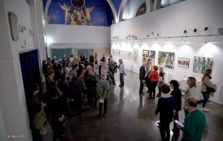 Vista de general de la sala d'exposicions, durant la presentació de Migracions // Marc PT