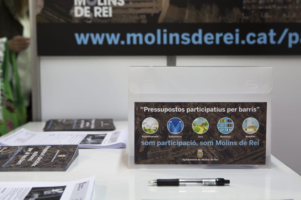Stand de participació de l'Ajuntament que il·lustra el procés participatiu // Ajuntament de Molins de Rei