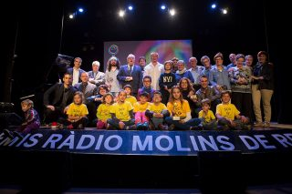 Foto de grup dels premiats // Ajuntament de Molins de Rei
