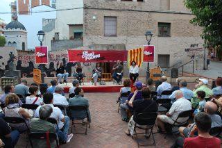 Imatge de la plaça de la Creu durant l'acte // Jose Polo