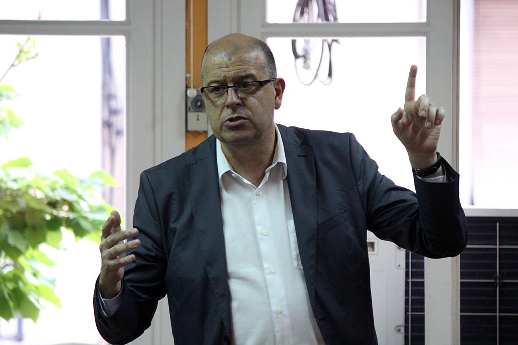 José Zaragoza durant l'acte a la seu del PSC Molins de Rei // Jose Polo