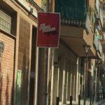 Cartell d'En Comú Podem al carrer Menéndez Pelayo // cedida