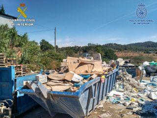 Imatge de l'exterior del polígon industrial il·legal desmantellat // Guardia Civil