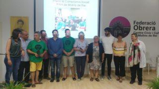 Foto de família amb jurat i premiats // ERC Molins de Rei
