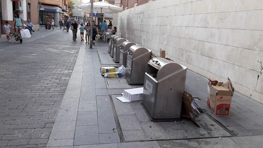 Contenidors soterrats del carrer Rafael Casanova // Jose Polo