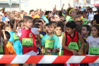 Participants de la cursa infantil esperant la sortida // Jose Polo