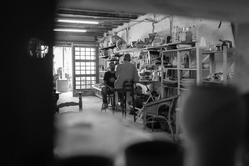 Pahissa, al seu estudi, durant l'entrevista // Joan Gosa Badia