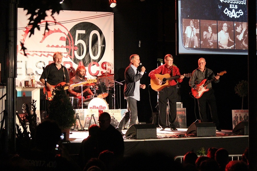 Alfred Pla va tornar a tocar el baix, Sergi Carós va tocar la bateria representant el seu pare Vicenç, Jordi Carreras va ser de nou el cantant i Manel Cordero i Faustino García tornaven a agafar la guitarra // Jose Polo