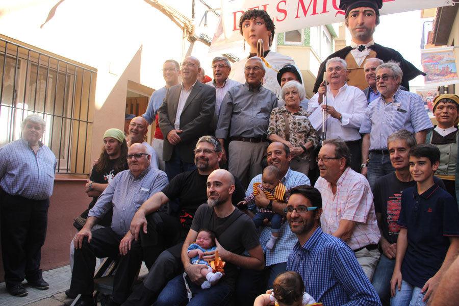 Al mig, Miquela Aguiló, al seu darrere Miki Rosas i a la dreta de la imatge el Miquel de l'any passat Miquel Tarragó // Jordi Julià