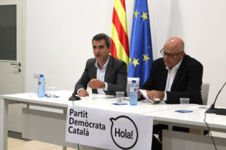 Joan Ramon Casals i Lluís Corominas en el primer acte del PDC // Jordi Julià