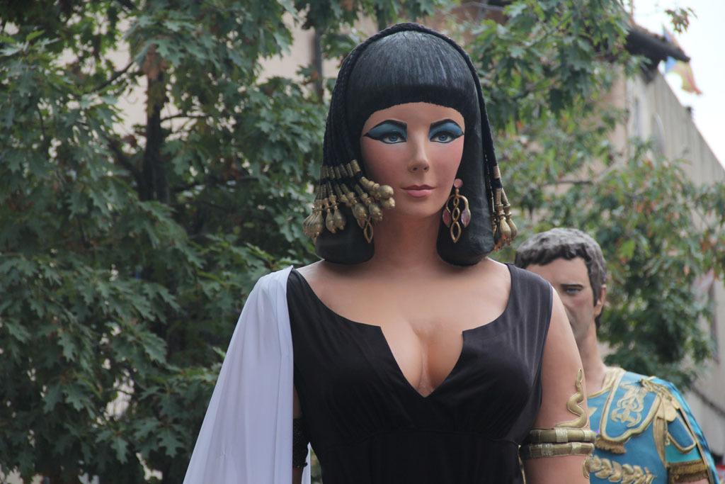 Una Elisabeth Taylor interpretant a Cleòpatra venia per primer cop a Molins de Rei des de les Borges Blanques // Jordi Julià