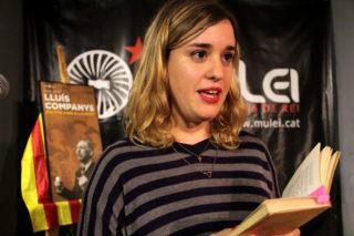 L'actiu Martina tresserra va recitar poemes d'Espriu, Brossa i Martí i Pol // Jordi Julià