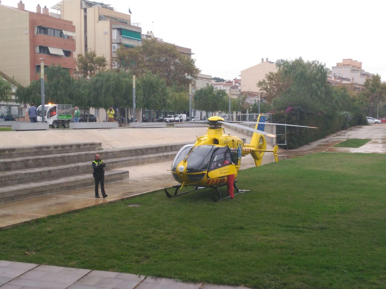 Helicòpter d'emergències al Parc de la Mariona // Cedida per un lector
