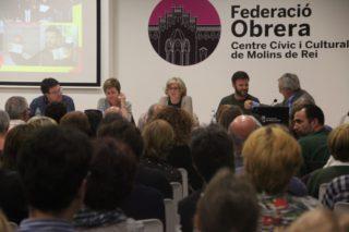 """La Federació Obrera es va omplir per escoltar les denúncies de """"judicialització de la política"""" // Jordi Julià"""
