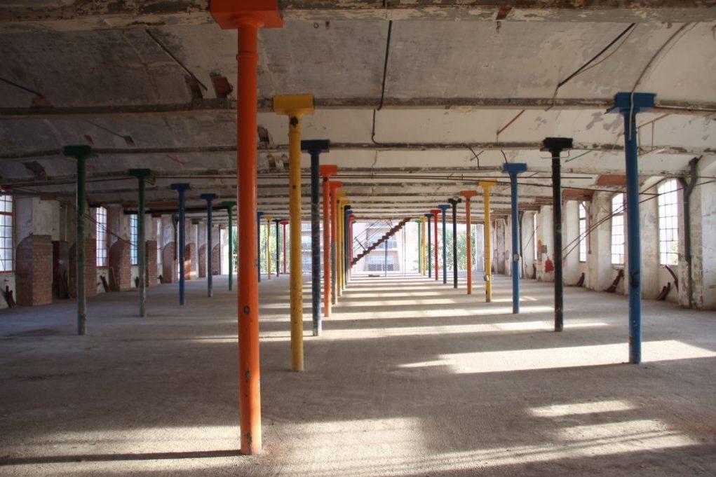La segona planta de l'edifici, la primera de la biblioteca, tindrà zona infantil a l'esquerra i zona general a la dreta // Jordi Julià