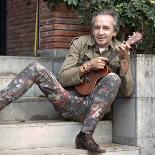 Vilallonga combinarà la veu i la guitarra amb l'ukelele i el piano // Alfonso Vilallonga