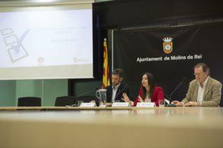 Xavi Paz i Laura Martínez van presentar els resultats de l'enquesta a Molins de Rei // Ajuntament de Molins de Rei