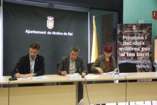 El tinent d'alcalde, Xavi Paz; l'alcalde, Joan Ramon Casals; i la regidora de participació, Laura Soto, van presentar els resultats // Jordi Julià