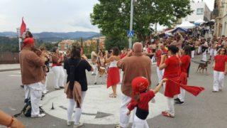 La Festa de la Cirera del Papiol va comptar amb l'actuació dels Matossers de Molins de Rei // Matossers de Molins de Rei